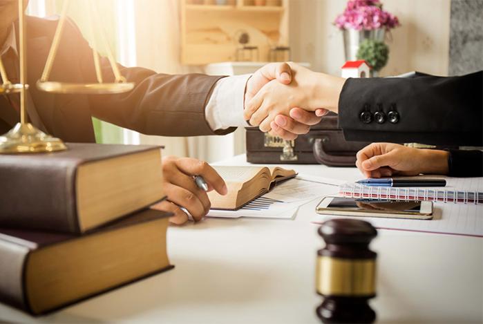 Chuyên viên pháp lý là gì?
